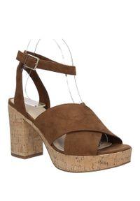 Brązowe sandały s.Oliver na lato, w kolorowe wzory, na co dzień