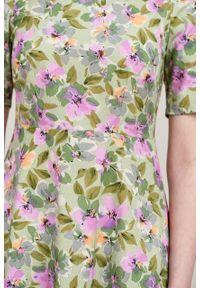 Marie Zélie - Sukienka Aerin Alia zielona. Kolor: zielony. Materiał: bawełna, materiał, elastan, satyna, skóra. Typ sukienki: trapezowe