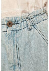 Niebieskie jeansy loose fit medicine boho