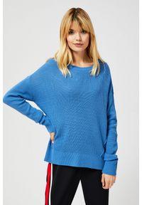 Niebieski sweter MOODO z długim rękawem, długi