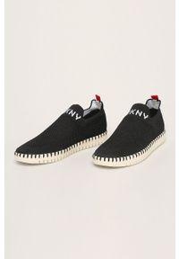 Czarne buty sportowe DKNY na średnim obcasie, z okrągłym noskiem
