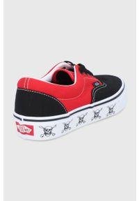 Vans - Tenisówki. Nosek buta: okrągły. Zapięcie: sznurówki. Kolor: czerwony. Materiał: guma