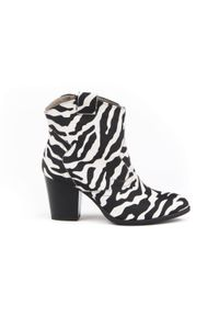 Zapato - kowbojki na obcasie - skóra naturalna - model 471 - kolor zebra. Materiał: skóra. Wzór: motyw zwierzęcy. Obcas: na obcasie. Wysokość obcasa: średni