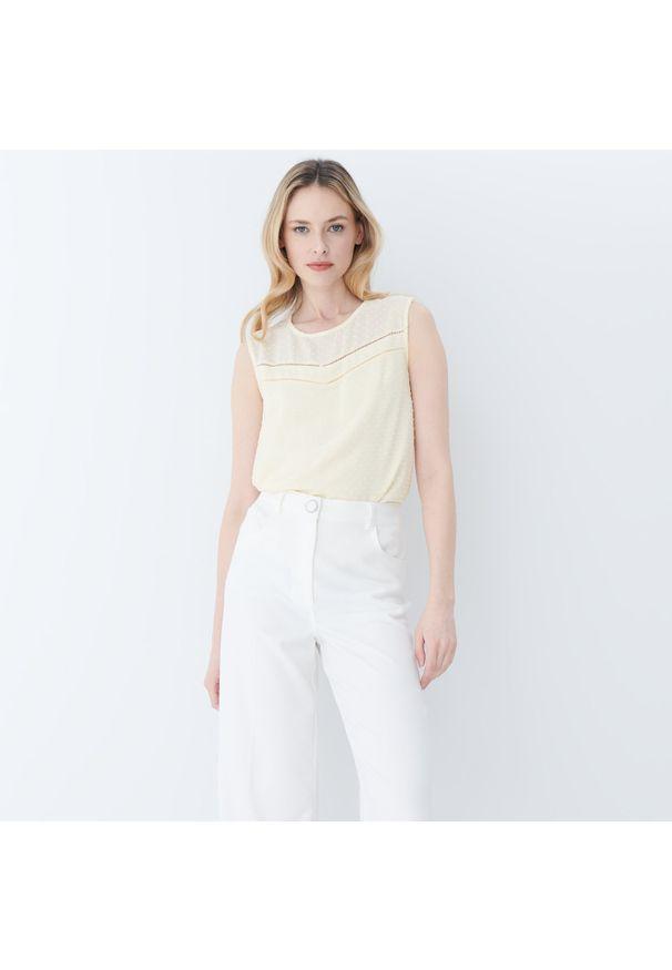 Żółta bluzka Mohito w ażurowe wzory