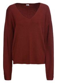 Czerwony sweter bonprix z dekoltem w serek