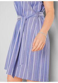 Sukienka z paskiem, w paski bonprix niebiesko-biały w paski. Okazja: na co dzień. Kolor: niebieski. Wzór: paski. Typ sukienki: proste. Styl: casual