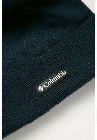 Niebieska czapka columbia z nadrukiem, na zimę