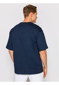 Champion T-Shirt Vertical Script Logo Granatowy Custom Fit. Kolor: niebieski