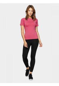 Różowy t-shirt outhorn raglanowy rękaw