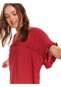 Czerwona bluzka TOP SECRET na co dzień, z krótkim rękawem, z dekoltem w serek