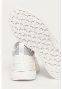 Białe sneakersy Aldo z okrągłym noskiem, na niskim obcasie, na sznurówki