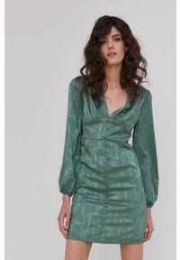 Answear Lab - Sukienka. Okazja: na co dzień. Kolor: turkusowy. Materiał: tkanina. Długość rękawa: długi rękaw. Wzór: gładki. Typ sukienki: proste. Styl: wakacyjny