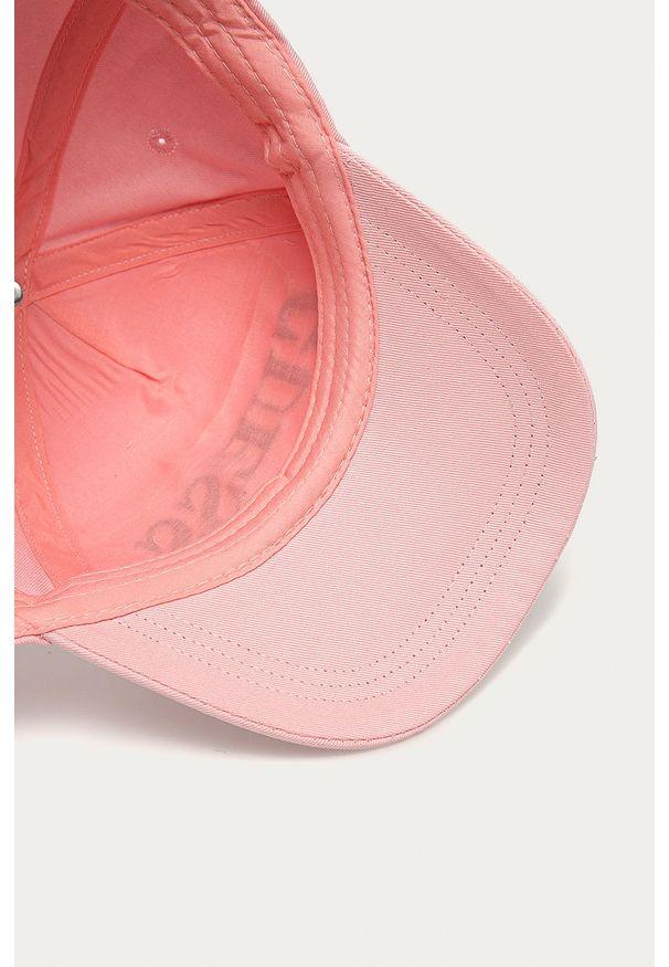 Różowa czapka z daszkiem Guess Jeans z aplikacjami