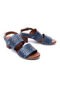 Niebieskie sandały Piazza w ażurowe wzory, na rzepy, na obcasie