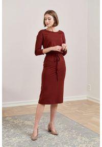 Marie Zélie - Sukienka Elwina ceglasta. Okazja: na co dzień. Kolor: czerwony. Materiał: wiskoza, dzianina, materiał, elastan, tkanina, guma. Długość rękawa: krótki rękaw. Typ sukienki: proste. Styl: casual