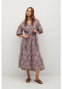 mango - Mango - Sukienka LINDA. Kolor: różowy. Długość rękawa: krótki rękaw. Typ sukienki: rozkloszowane