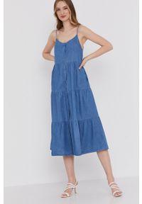 Answear Lab - Sukienka. Kolor: niebieski. Materiał: tkanina. Długość rękawa: na ramiączkach. Wzór: gładki. Typ sukienki: rozkloszowane. Styl: wakacyjny
