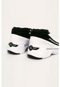Białe sneakersy Jordan na sznurówki, z cholewką, z okrągłym noskiem