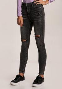 Renee - Ciemnoszare Jeansy Skinny Joharia. Stan: podwyższony. Kolor: szary. Materiał: jeans. Długość: długie. Wzór: aplikacja. Styl: rockowy