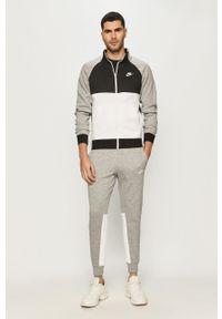 Szary komplet dresowy Nike Sportswear z nadrukiem