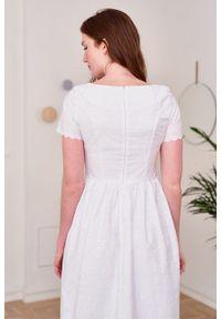 Marie Zélie - Sukienka Melania biała haftowana. Kolor: biały. Materiał: bawełna, skóra, materiał. Długość rękawa: krótki rękaw. Wzór: haft. Sezon: lato