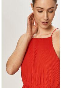 Czerwona sukienka Pepe Jeans na ramiączkach, gładkie, rozkloszowana