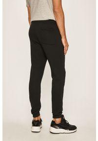 Czarne spodnie dresowe New Balance #4