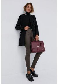 Silvian Heach - Sweter. Typ kołnierza: golf. Kolor: czarny. Materiał: dzianina. Długość rękawa: długi rękaw. Długość: długie. Wzór: aplikacja