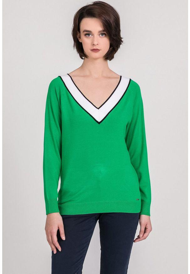 Zielony sweter Monnari z dekoltem w serek, z długim rękawem, długi