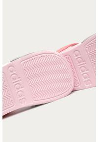 Różowe sandały Adidas na rzepy