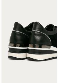 Czarne buty sportowe Wojas z okrągłym noskiem, na koturnie, na średnim obcasie, z cholewką
