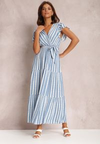 Renee - Niebieska Sukienka Ifamphei. Typ kołnierza: kołnierz z falbankami. Kolor: niebieski. Materiał: tkanina, wiskoza, materiał. Wzór: aplikacja. Typ sukienki: kopertowe. Długość: maxi
