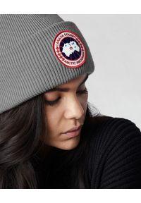CANADA GOOSE - Szara czapka z logo. Kolor: szary. Materiał: wełna. Styl: klasyczny