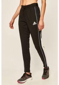 Czarne spodnie dresowe adidas Performance z aplikacjami