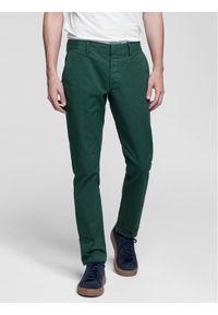 Vistula Spodnie materiałowe Flint XA0614 Zielony Regular Fit. Kolor: zielony. Materiał: materiał