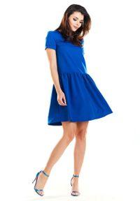 Niebieska sukienka wizytowa Awama na lato