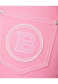 Balmain - BALMAIN - Różowe jeansy z wysokim stanem. Stan: podwyższony. Kolor: różowy, fioletowy, wielokolorowy. Wzór: aplikacja