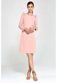 Różowa sukienka Nife z falbankami, trapezowa