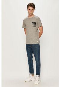 Szary t-shirt PRODUKT by Jack & Jones casualowy, na co dzień, z nadrukiem, z okrągłym kołnierzem