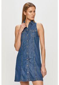 Pepe Jeans - Sukienka jeansowa Jess. Okazja: na co dzień. Kolor: niebieski. Materiał: tkanina. Typ sukienki: proste. Styl: casual