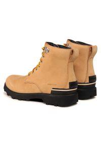 Beżowe buty zimowe sorel klasyczne, z cholewką