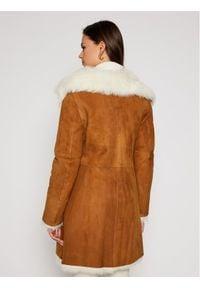 Ugg Płaszcz zimowy 1017644 Brązowy Regular Fit. Kolor: brązowy. Sezon: zima #2