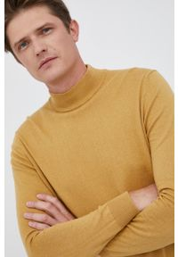 Pepe Jeans - Sweter z domieszką wełny Charles. Kolor: żółty. Materiał: wełna. Długość rękawa: długi rękaw. Długość: długie