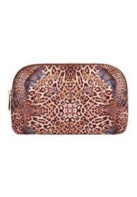 Camilla - CAMILLA - Kosmetyczka w panterkę Lady Lodge. Kolor: brązowy. Materiał: tkanina. Wzór: motyw zwierzęcy