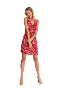 Czerwona sukienka TOP SECRET bez rękawów, z dekoltem w serek, casualowa