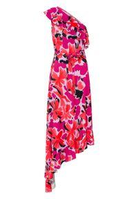 Sukienka one-shoulder bonprix różowo-jasny lila w kwiaty. Kolor: różowy. Wzór: kwiaty. Sezon: lato. Typ sukienki: asymetryczne
