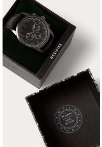Czarny zegarek medicine