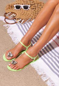 Zielone sandały Born2be