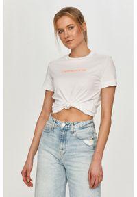 Biała bluzka Calvin Klein Jeans z aplikacjami, casualowa, na co dzień