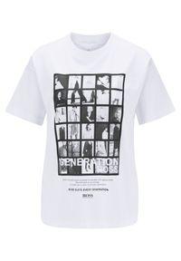 Biały t-shirt BOSS z nadrukiem